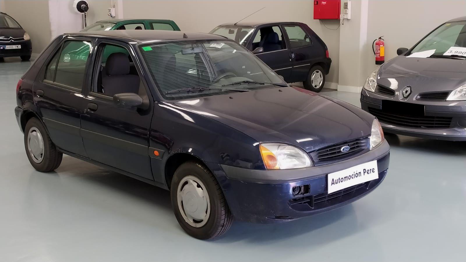 Nueva Recepción: Ford Fiesta 1.3i 60 CV Trend. Pocos Kms. Revisiones Selladas. Garantía 1 Año.