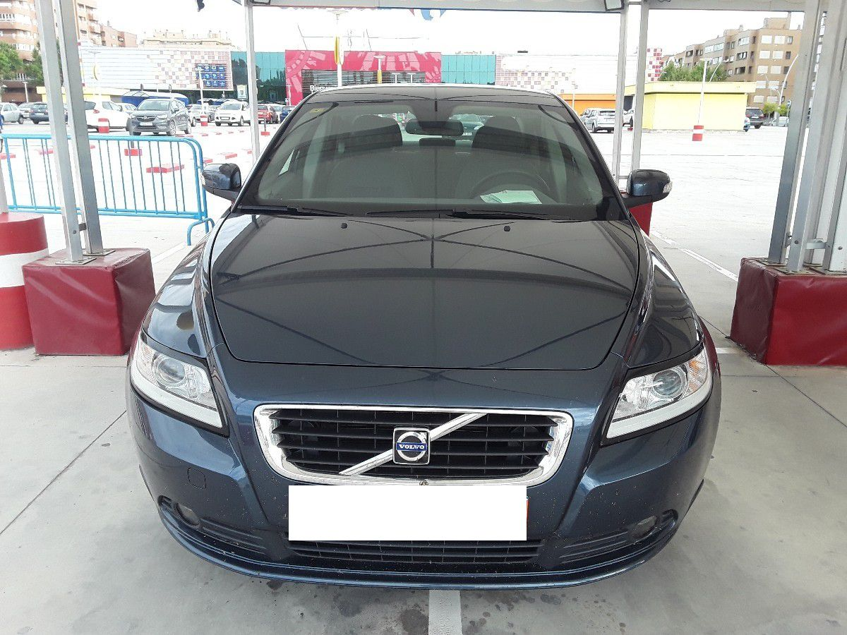 Próximamente: Volvo S40 1.8i 125CV Momentum. Único Dueño. Pocos Kms. Revisiones Selladas. Garantía 12 Meses.