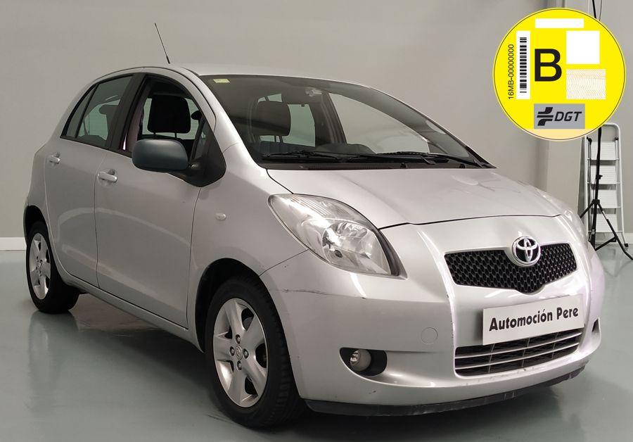 Nueva Recepción: Toyota Yaris 1.3 VVT-i Sol Automático/Sec. Pocos Kms. Revisiones Selladas. Garantía 12 Meses.