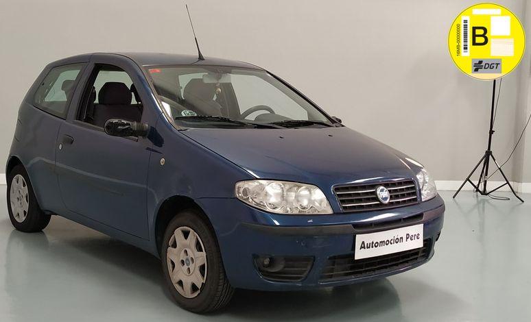 Fiat Punto 1.2i 60 CV Dynamic. 1 Solo Propietario. Económico. Pocos Kms. Revisiones Selladas y Garantía 12 Meses.