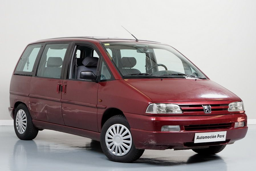"Peugeot 806 2.1 TD 110 CV 12V ""Port Aventura"". Único Propietario. 6/8 Plazas. Matriculado como ""TURISMO"""