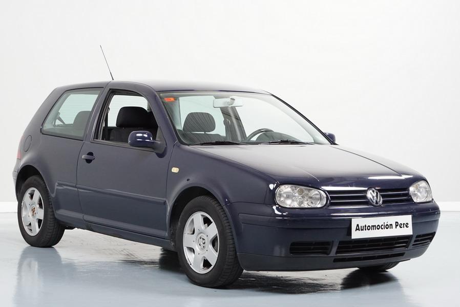 Volkswagen Golf IV 1.6i Highline 100CV. Única Propietaria. Pocos Kms. Revisiones Selladas!
