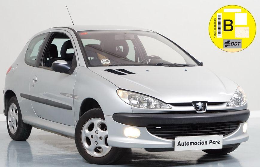 Peugeot 206 1.4i 90 CV Quicksilver. Pocos Kms. Único Propietario. Económico y Garantía 12 Meses.