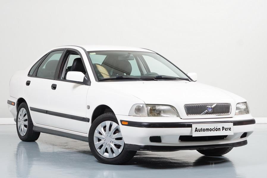 Volvo S40 1.6i Comfort. Económico. Pocos Kms. Revisiones Selladas. Garantía 12 Meses.